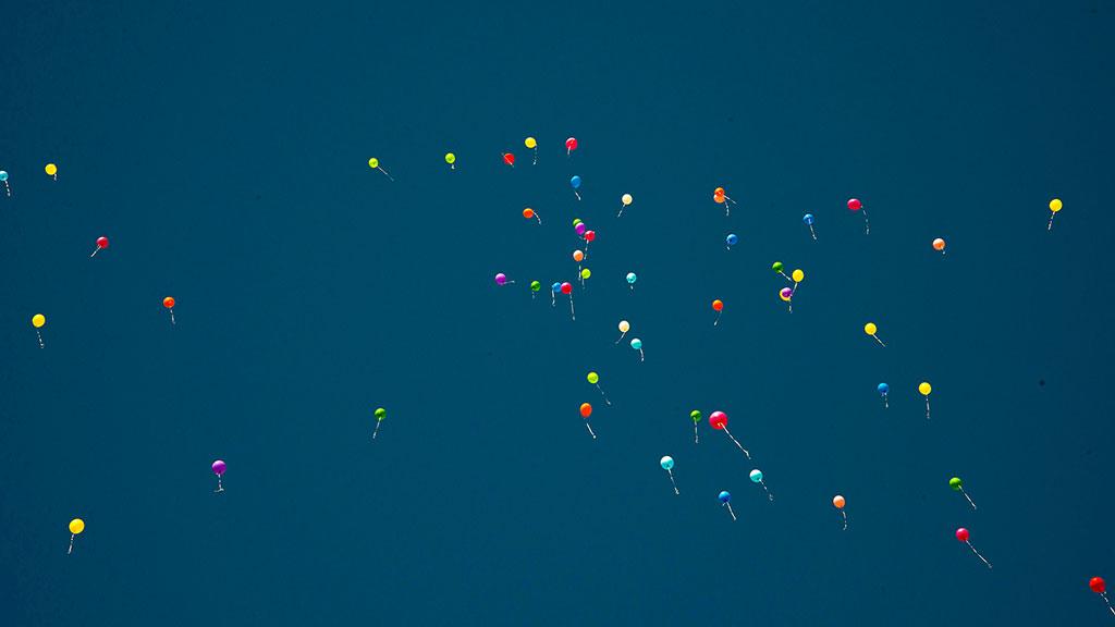 Ballons am Himmel Foto © Alexander Samsz